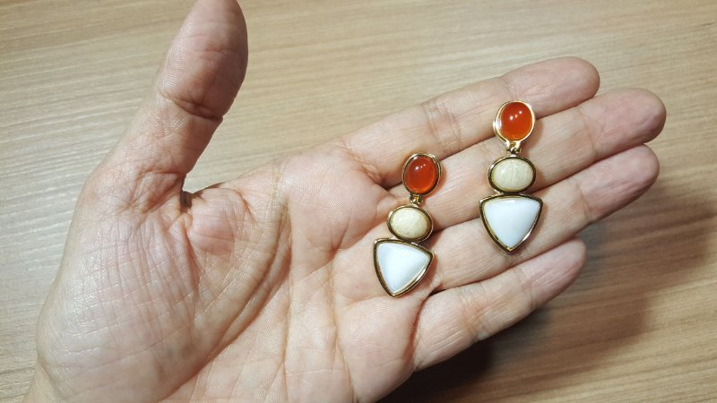 Brincos Cristal Ágata vermelho, Amazonita bege, Madrepérola 3/4,1cm Princess Happy Days