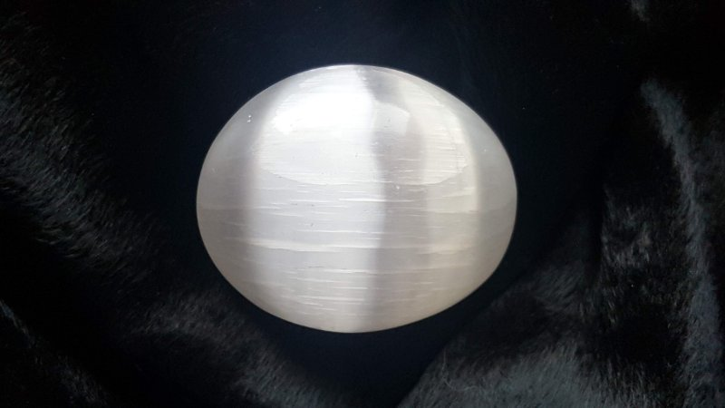 Sabonete Selenita Branca de Bolso aprox 70gr 4,5x5,5x2,2cm Master Blaster Joias