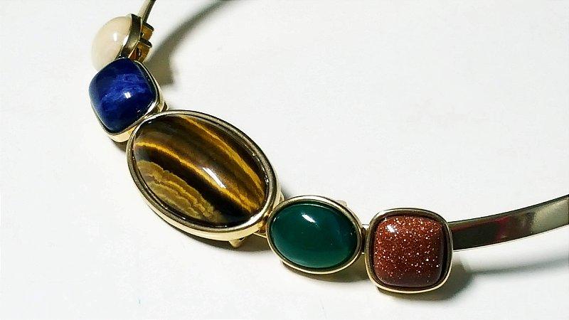 Gargantilha Choker Pedra Amazonita Bege, Sodalita Azul do Mar, Olho de Tigre, Ágata verde, Pedra do Sol Scandal