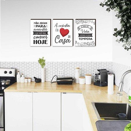 Trio de quadros A cozinha é o coração da casa BRANCO  [Box de madeira]