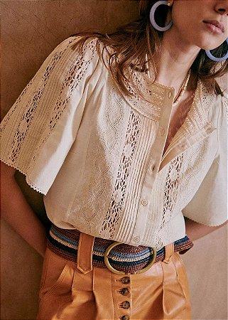 Camisa boho rendada areia