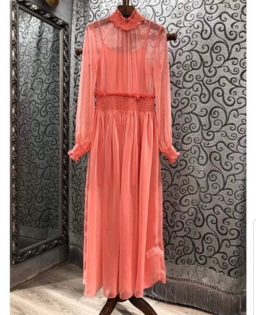 Vestido midi coral crepe manga longa