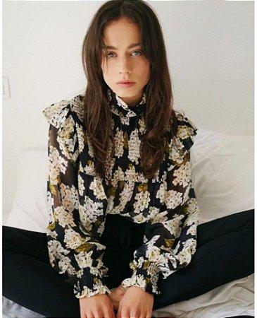 Camisa seda estampada floral gola alta plissados