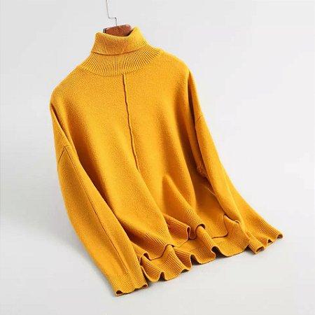 Blusa de lã tricot gola rolê costa alongada