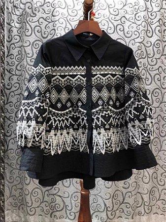 Camisa algodão boho preta bordado trapézio
