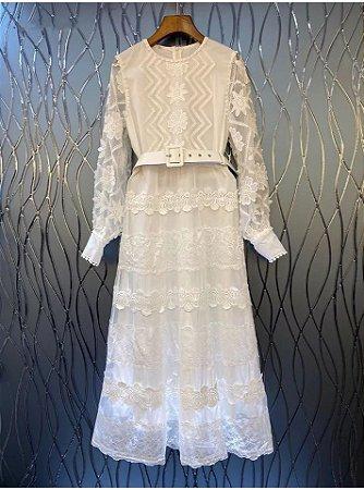 Vestido midi branco renda cinto