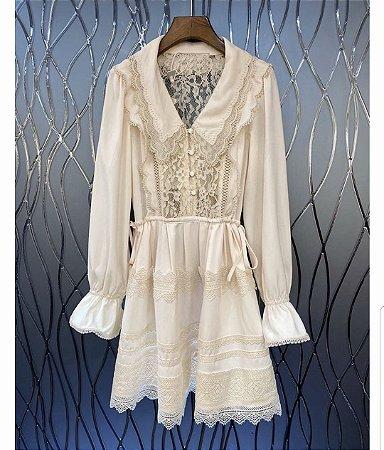 Vestido vintage curto gola virada renda