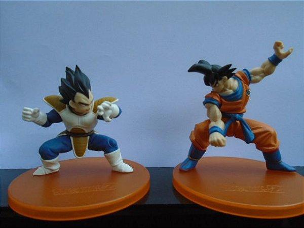 Bandai Dragon Ball Z Goku Vs Vegeta Gashapons Articuladas