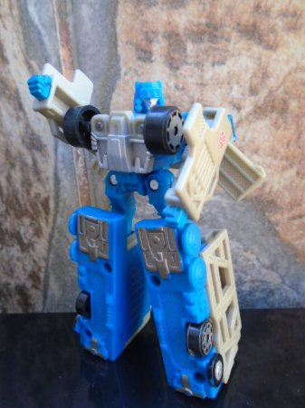 Hasbro Transformers RID Spy Changers Ultra Magnus Escala Legends Loose