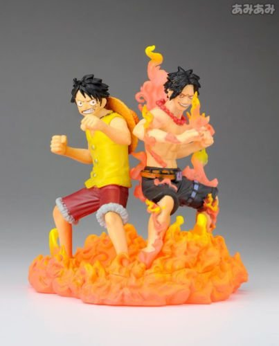Megahouse Log Box One Piece Diorama Ace e Luffy Marine Ford