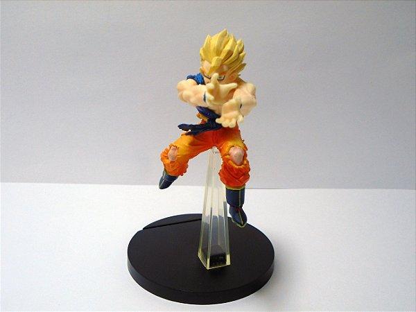 Dragon Ball Z Gashapon Goku SSJ2 Voando Kame-Há-Me-Há