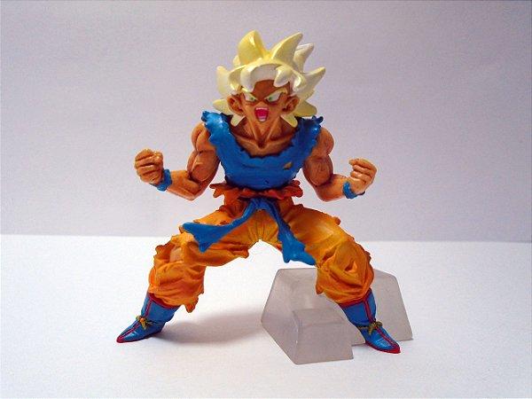 Bandai Dragon Ball Z  HG Gashapon Goku SSJ Concentrando KI