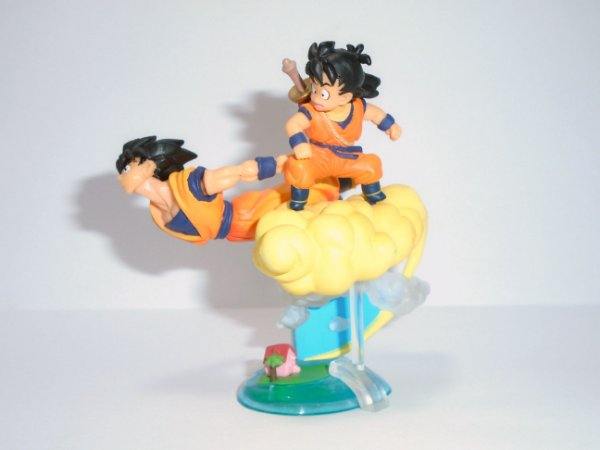 Bandai Dragon Ball Z  Imagination Figure Goku e Gohan na Nuvem Voadora Raro