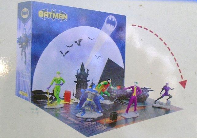 Monogram DC Batman PVC fIgurine Playset Pack com 06