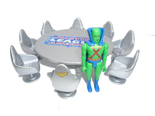 DC Pocket Heroes Manhunter (Ajax) + Cadeiras e Mesa Liga da Justiça JLA