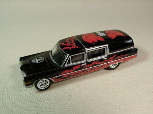 Johnny Lightning Universal Monsters - Dracula Cadillac Hearse 1966 1/64