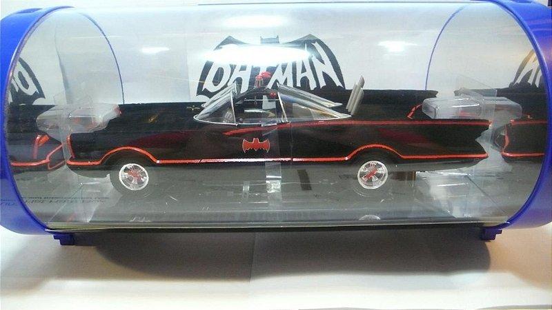 Hot Wheels SDCC 2007 Batman 1966 Batmóvel Flocado 1/18 Die-Cast Metal