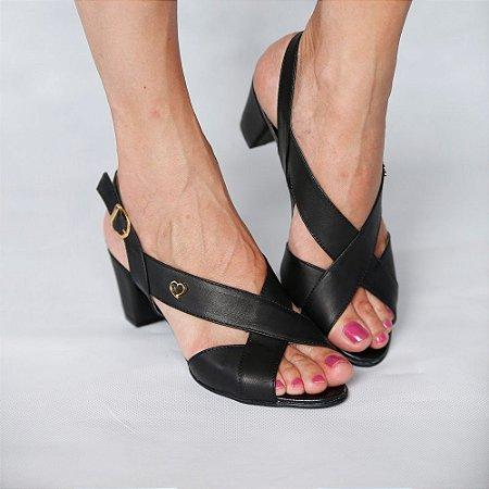 Sandália de Salto em Couro Lovely Preta