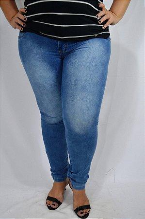 1cb510e9f Calça Jeans Azul claro Feminina Plus Size - Cazzadella Plus Size