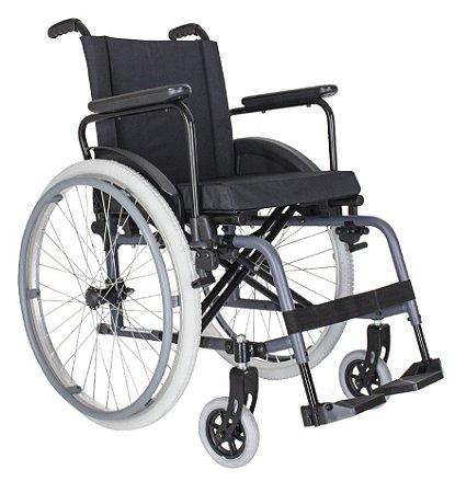 Cadeira de rodas em alumínio MA3F cor preta até 120Kg