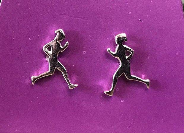 Brinco corredora prata 925