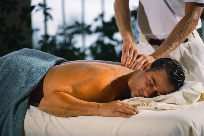 Massagem Sueca com Óleo Vegetal