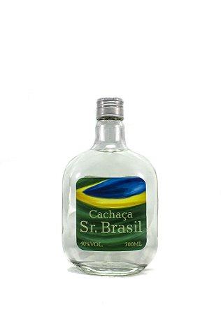Destilaria Brisa da Serra - Cachaça Sr. Brasil - Branca descansada em dornas de inox 700ml
