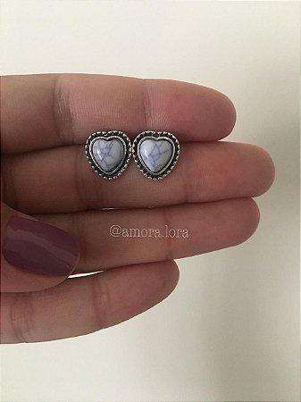Brinco Boho Coração Branco Ref.1374