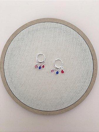 Brinco Mini Argola Pedras Color Folheado a Prata 18K Ref:BR13S