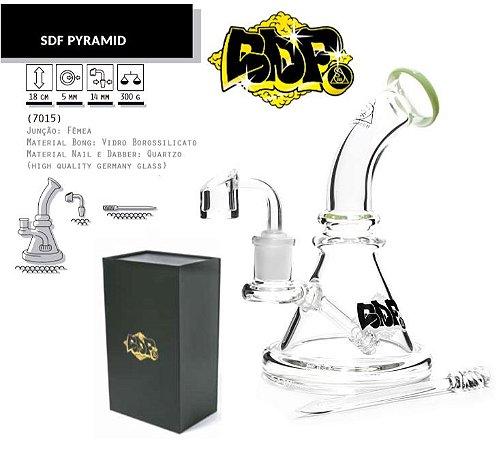 Squadafum | Bong de Vidro Pyramid 18cm - Linha Premium