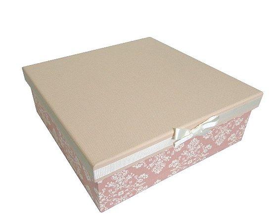 Caixa com Acabamento Rosa/Floral com Laço Quadrada 30x30x10cm