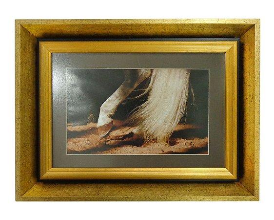 Quadro Horses Foot Moldura de Madeira Dourado 48x36cm