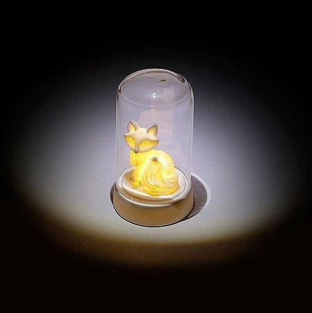 Luminária Led Raposa dentro do vidro transparente