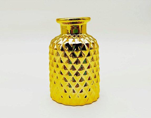 Vaso dourado ouro