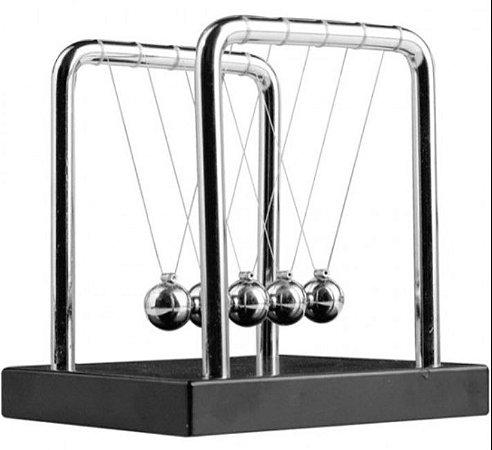 Enfeite decorativo Pendulo Newton