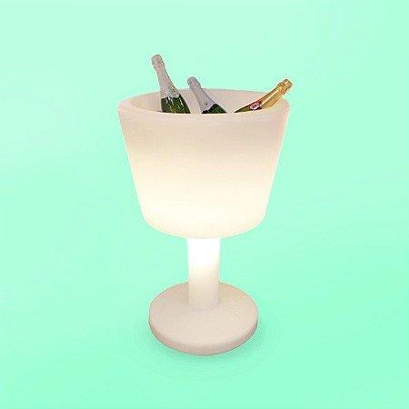 Taça decorativa porta bebidas com iluminação.