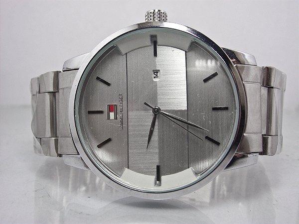 68320298bc7 Relógio Tommy Hilfiger Prata com o Fundo Prata marcador de data e hora  analógico