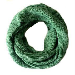 Gola de tricô verde claro