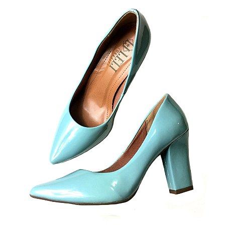 Scarpin verniz azul pistache - salto confort