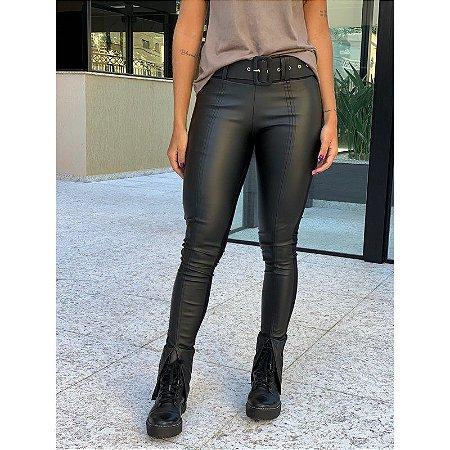 Calça Skinny Argentina - Malha Importada Legítima Atrás - Courino Frontal - Modelagem Impecável - Fenda Frontal na Barra - Cinto Revestido em Courino