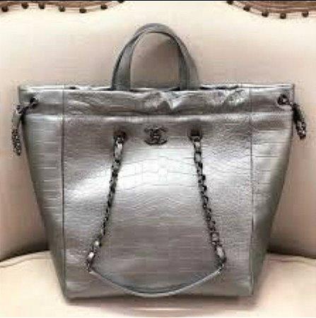 Chanel - Tote Bag - Métiers D'Art 2018/19 Collection
