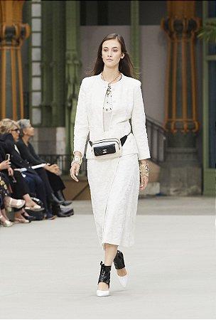 Chanel - Conjunto Off white renda (Tam. 40) / Cruise 2019/20