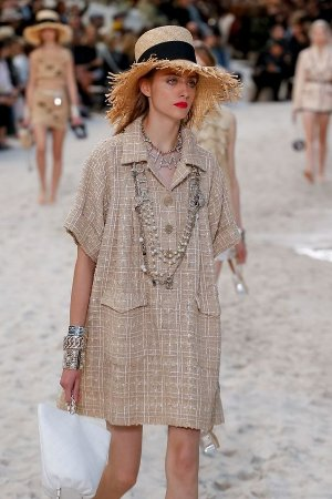 Chanel - Conjunto Tunica com shorts
