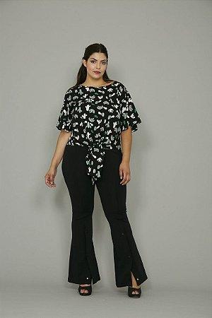 Blusa Plus Size com Nó na Frente
