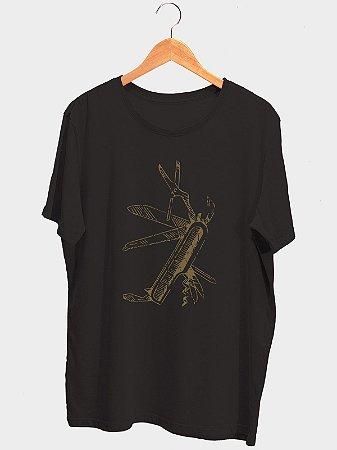 Camiseta Canivete Preta