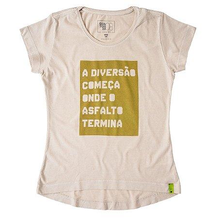 Camiseta Feminina A Diversão Começa Areia