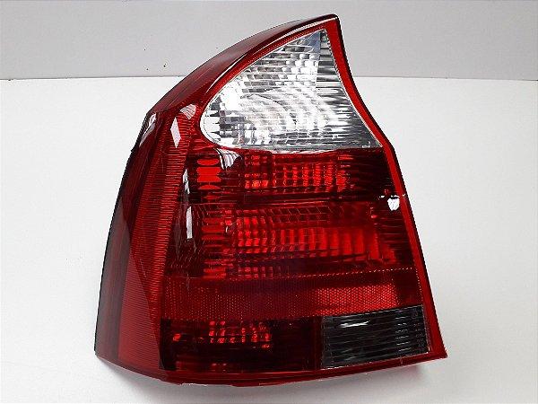 Lanterna Traseira Corsa Sedan (2003/2012) - ORIGINAL