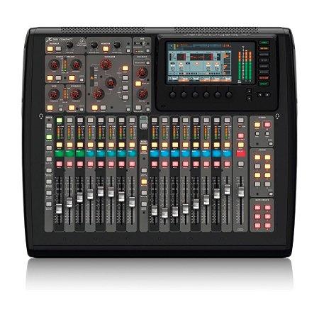 Mesa de Som digital Behringer X32 Compact c/ até 40 canais e 16 pré-amps