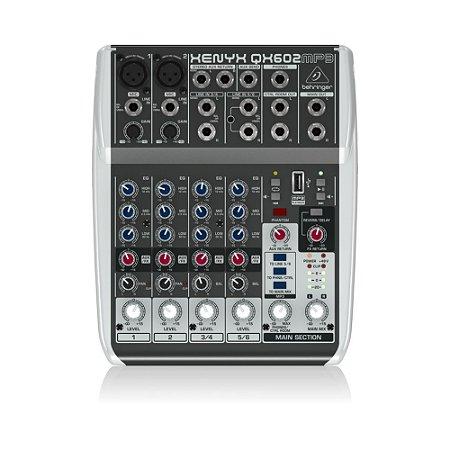 Mesa de Som Behringer QX602MP3 c/ 6-input 2-bus MP3 e efeitos