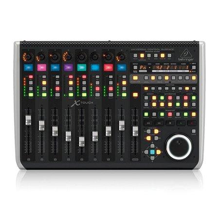 Controlador Behringer X-TOUCH c/ 9 faders motorizados 8 encoders e 92 botões iluminados